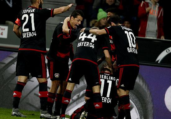 Dibalik Kemenangan Bayer Leverkusen dan Hattricknya Chicharito